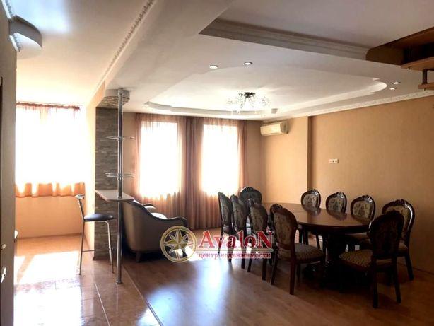 Продам двухуровневую 3-комнатную квартиру 150м.кв. на Сахарова. Ремонт