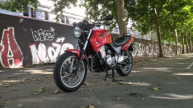 Honda CB 500 c/ escape Dominator e Full LED