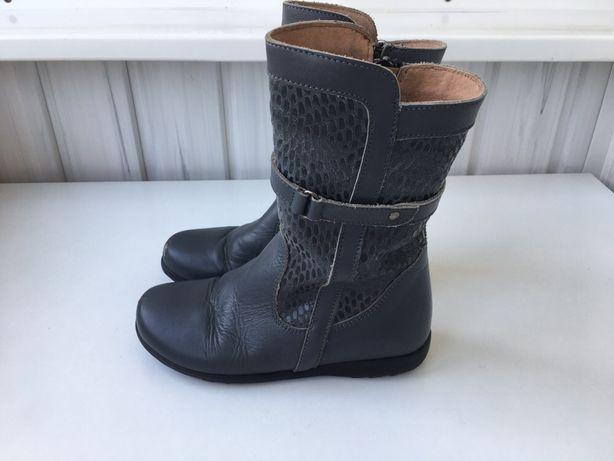 Кожаные сапоги, сапожки, черевички, чобітки 30 р. 19 см. Испания