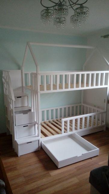 łóżko domek z schodkami drewniane