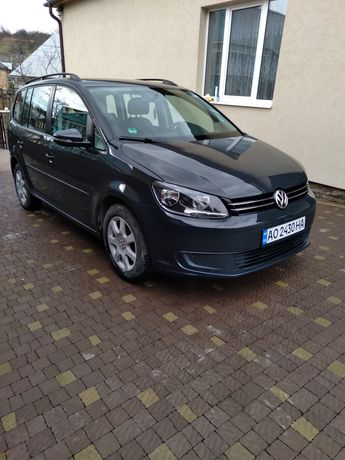 VW Touran 2.0 tdi 2014 рік