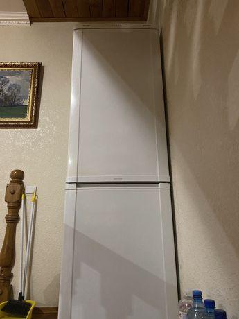 Холодильник Samsung (190см)