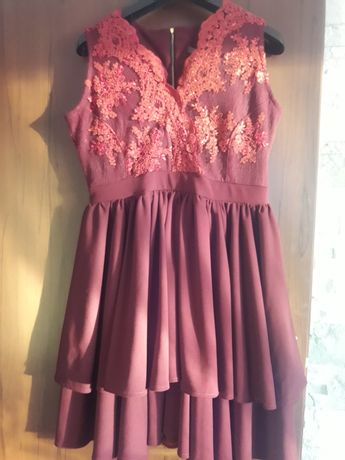 Sukienka 44 xxl rozkloszowana