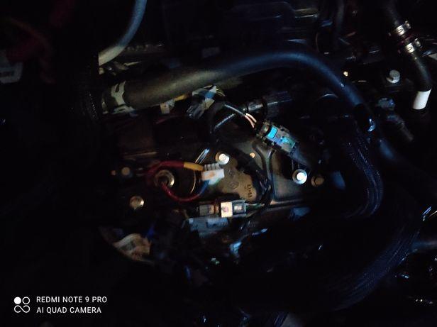Двигатель Рено трафик3  2.0  1.6
