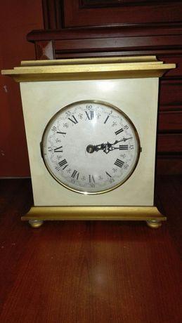 Zegar kominkowy stojący z 1979roku
