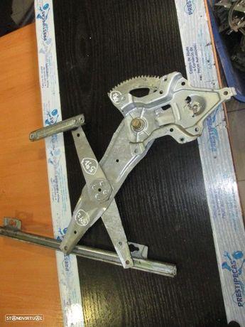 Elevador sem motor S2KR1 HONDA / HRV / 1999 / FE /