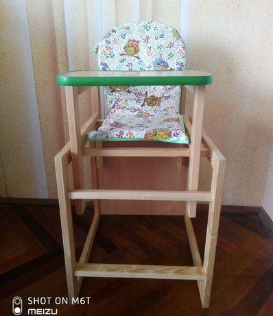 Дитяче кріселко і столик для годування