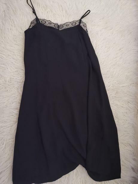 Piękna sukienka z koronką przy dekolcie h&m hm
