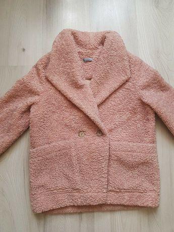 Полу- пальто , весна- осень.