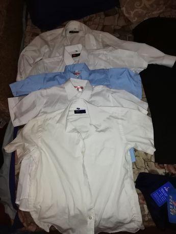 Школьные брюки и рубашки