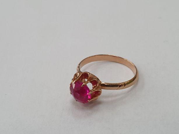 RETRO! Piękny złoty pierścionek/ 585/ 2.8 gram/ Czerwone oczko R15