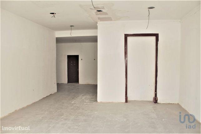 Loja - 120 m²