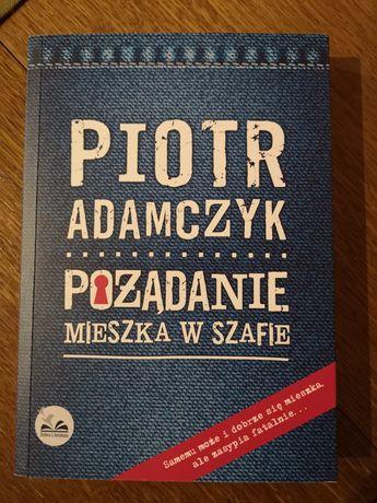 Pożądanie mieszka w szafie Piotr Adamczyk