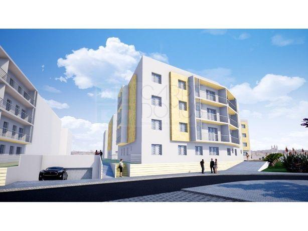 Modernos T3 com varanda em condomínio com piscina e box, ...