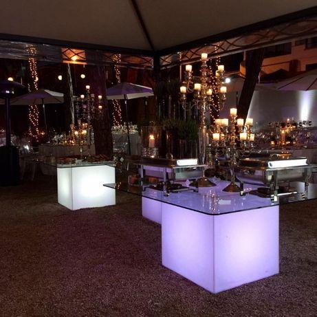 Mesa com luz catering evento