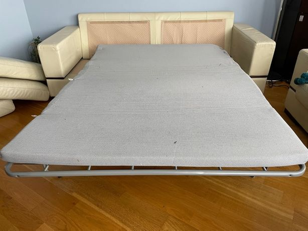 Sofa z funkcją spania, fotel i puf - skóra