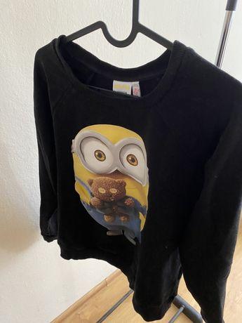 Czarna bluza z minionkiem