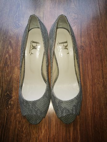 Wloskie buty ze skory firmy B.C..