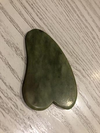 Скребок гуаша для массажа камень нифрит