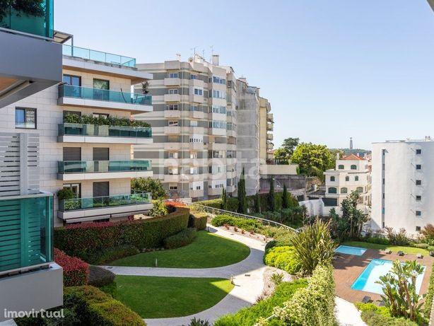 Apartamento T2 Condominio Privado, Piscina, Ginásio, 2 Lu...