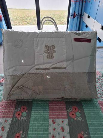 Têxtil para berço (edredão+saco-cama+protetor de berço)