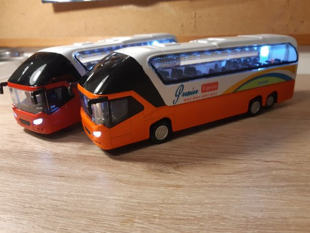 Autobusy ze światłem i dźwiękiem