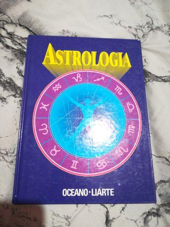 Livro de astrologia