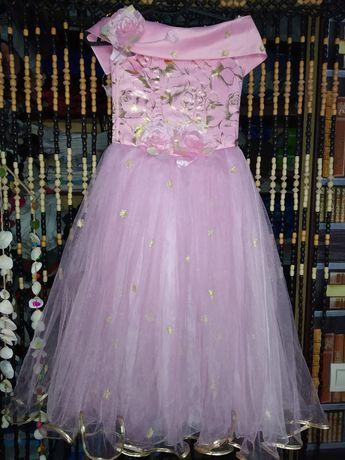 Праздничное платье на 5-8лет