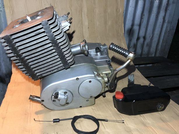Silnik MZ ETZ 250/251 Oryginał DDR Dozownik