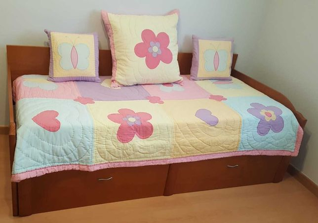 Colcha acolchoada, capas de almofadas - Oferta do cortinado