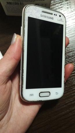 Телефон Samsung GT-I8160