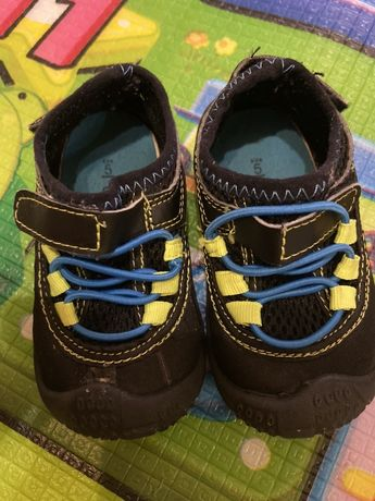 Ботиночки/кроссовки/аквашузы Carters