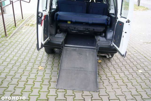 Fiat Scudo 9-osobowy, podest dla niepelnosprawnych