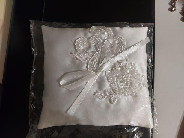 Poduszka ślubna na obrączki biała NOWA