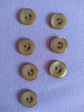 Małe karmelowe guziki 16 mm