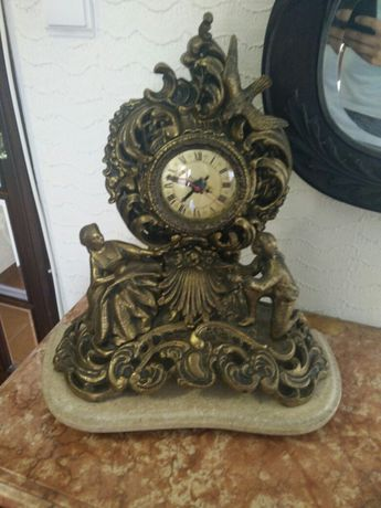 Relógio antigo em ferro