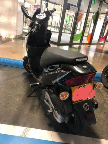 Moto keeway 50c .