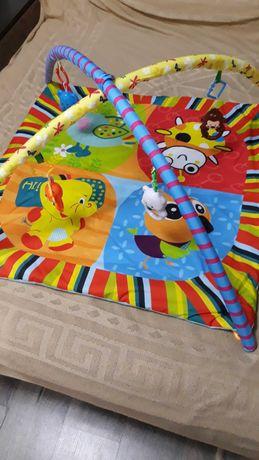 Розвиваючий килимок для немовляти в ідеальному стані