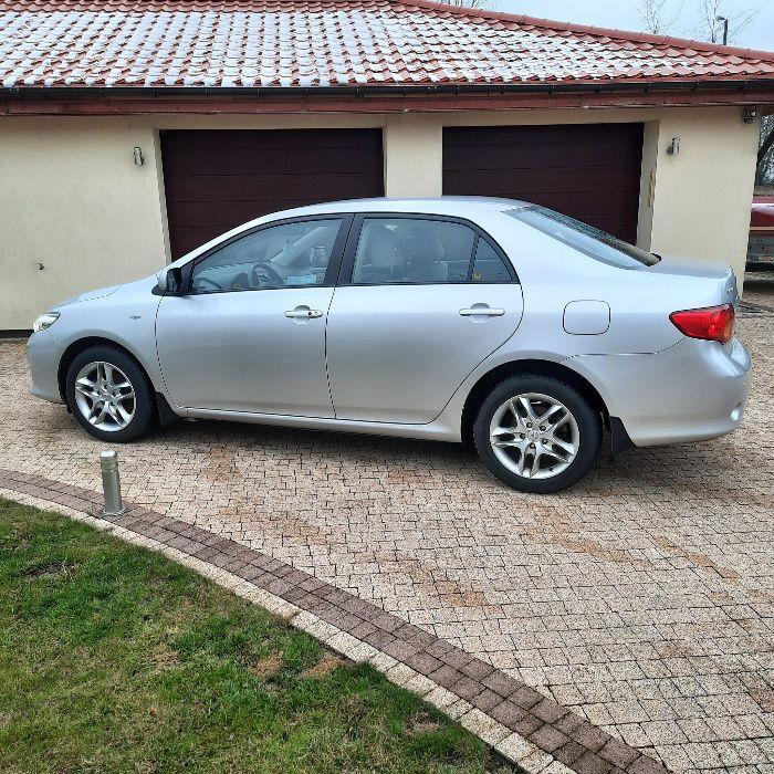 Sprzedam samochód Toyota Corolla Prestige Leszno - image 1