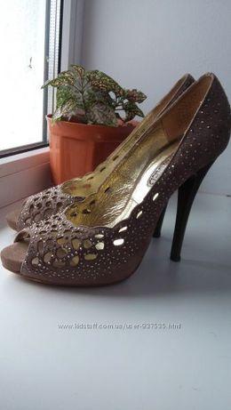 эфектные нарядные туфельки