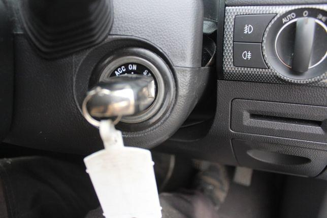 Stacyjka z kluczykiem Opel Antara rok 2007 , 2.0 Diesel