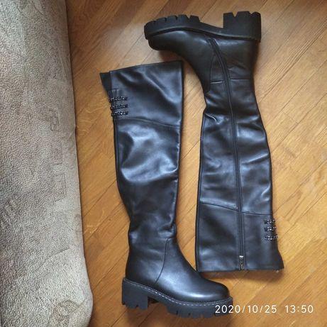 Новые ботфорты нат. кожа , еврозима, на стопу 24 см.