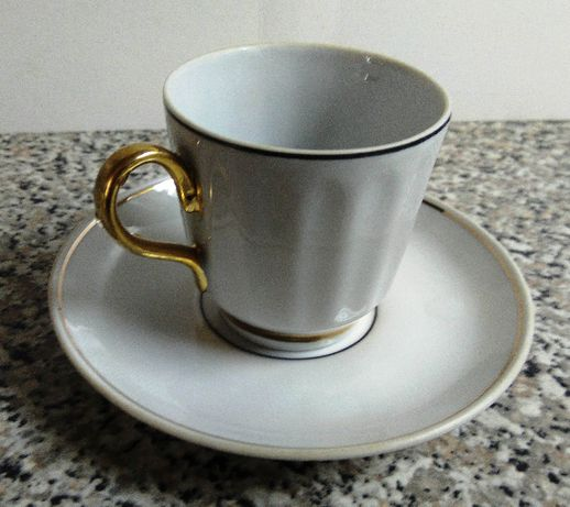 чашки кофейные 5 шт, 6 блюдец.