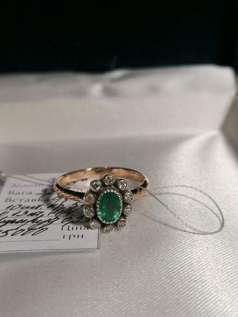 Кольцо с натуральными бриллиантами, и изумрудом.