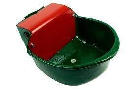Poidło ŻELIWNE 4 l z korkiem pływakowe dla bydła i koni