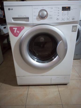 Vendo Máquina de Lavar roupa LG