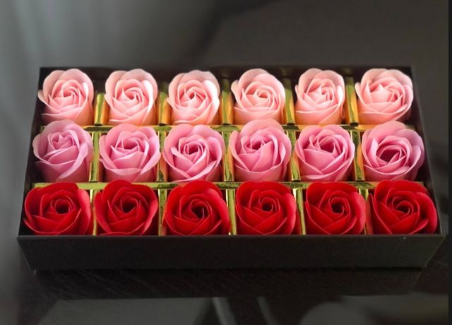 ОПТ/РОЗ Розы из мыла на подарок с мишкой, подарочные наборы мыла
