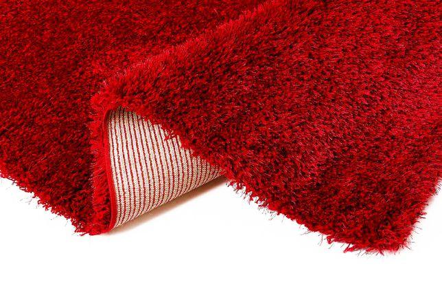 Dywan czerwony używany