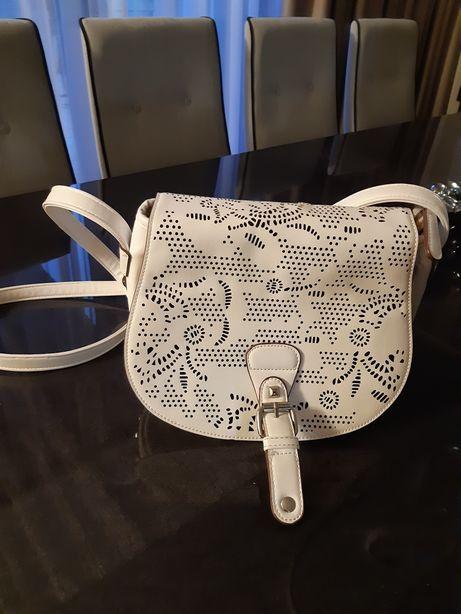 Nowa modna biala torebka listonoszka damska