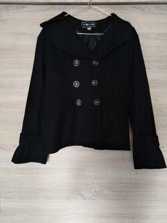 Sprzedam kurteczkę krótki płaszczyk 38
